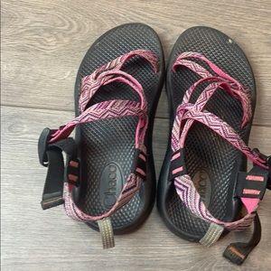 Women's/Kids Pink Strap Chaco's!
